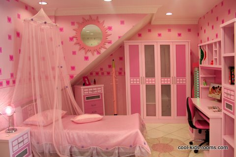 decorating small rooms, pink girls room
