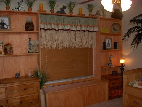 Jungle themed bedroom with cute solution for window treatments