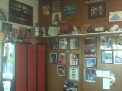 My autograph wall/ Michael Jordan lockers