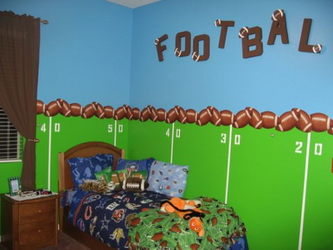 sports theme rooms by Stacey Kuffner, sports wall murals, sports theme bedding, cool bedrooms, bedroom decor ideas, decorating boys rooms, colors to paint a room, bedroom themes for boys