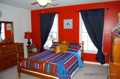Sports themed room for Sports bedroom designs