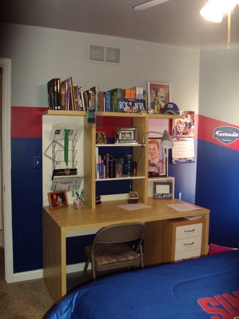 boys room, New York Giants bedroom, teen boys bedrooms, boys bedrooms ideas, bedroom decor ideas, boys bedrooms, kids rooms, decorating boys bedrooms,  childrens rooms, sports theme