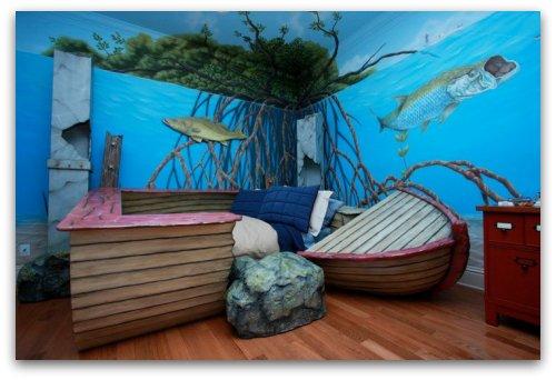 Sunken boat themed room
