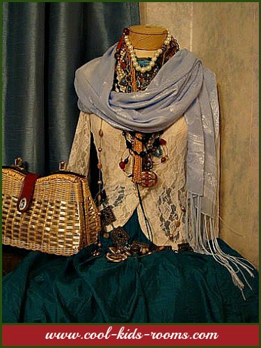 Dressed up mannequin. Nice display for jewelry.