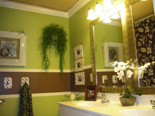 Cool kids bathrooms for Yellow and brown bathroom decor