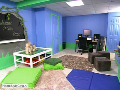 Blue playroom with chalkboard