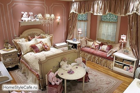 Luxury traditional style pink nursery