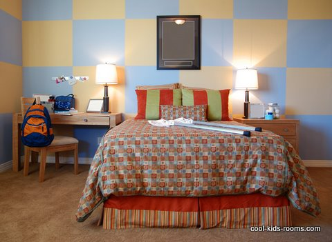 Boy's bedroom with checkers board wall
