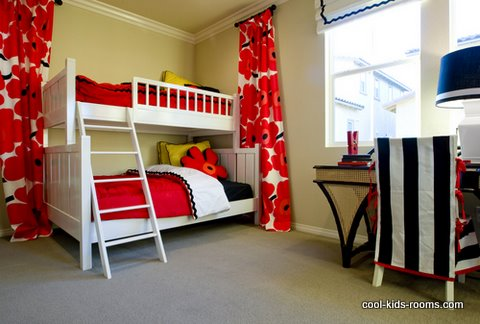 Colorful bedroom bor girls with space saving bunkbeds